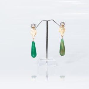 Pendiente con piedras naturales en verde para invitada