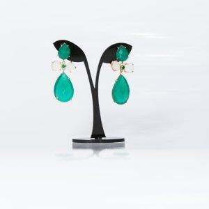 Pendiente de piedras naturales en verde esmeralda para invitada