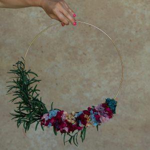 aro de flores preservadas