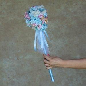 Bastón de arras para niños de flores preservadas