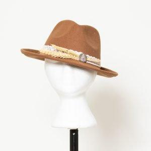 Sombrero con broche Virgen del Rocío